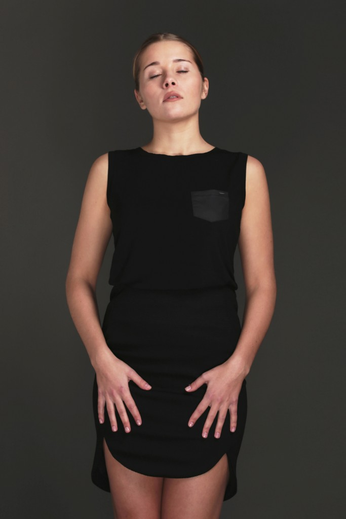 Perfect timeless black top - ROYAL BAMBOO
